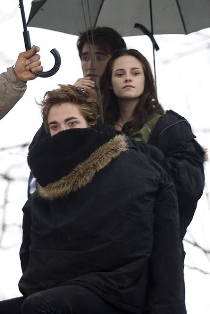 Twilight BTS - must be chilly