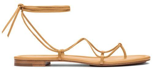 Shopping Mode Les 30 sandales de l'été 2015 : Sandales en cuir lacets Michael Kors http://www.vogue.fr/mode/shopping/diaporama/les-30-sandales-mode-de-lete-2015/21052/carrousel
