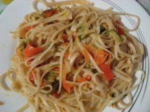 Tallarines con verduras y salsa de soja - venusss - Receta - Canal Cocina