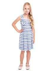 Сарафаны Карамелли.  Платье для девочек без рукава с декоративным бантом. Бретели и юбка с встречными. Застежка на молнию в левом боковом шве.