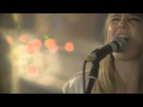 Lissie - In Sleep (Live) - Lissie is one of my newest faves! Ya gotta take a listen.. Dare you....