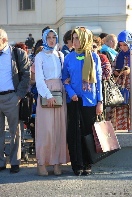 Trendy muslim women Istanbul