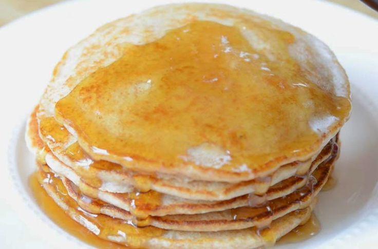 ingredienser:  1 kopp melk 1 ss eddik * (hvitvin eller eplecider) 1 kopp hele hvetemel 2 ts sukker 1/2 ts bakepulver 1/4 ts natron 1/4 ts salt 1 egg 2 ss smeltet smør