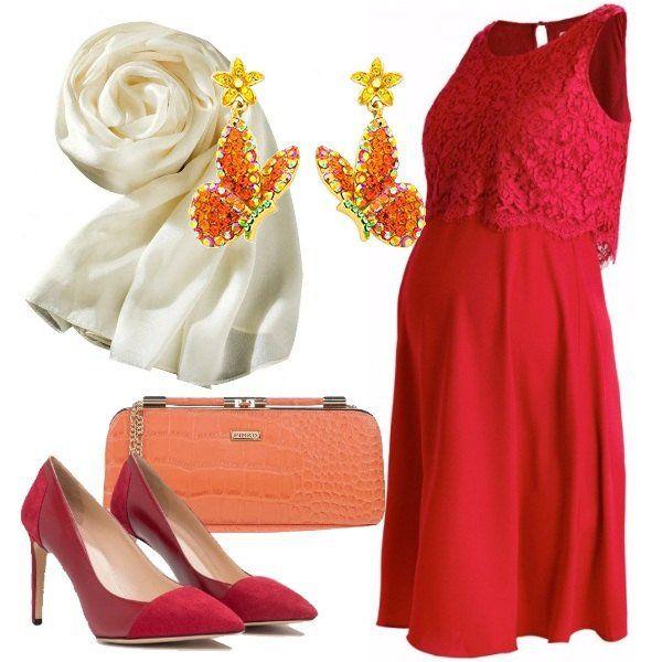 Per una futura mamma, invitata ad una cerimonia, ho scelto un vestito elegante scarlett corto e senza maniche, in viscosa, con cucitura sul seno. Ho abbinato una sciarpa in raso beige, décolleté open red in pelle, clutch arancione con stampa di coccodrillo e orecchini a forma di fiore con farfalla. Sarete elegantissime.