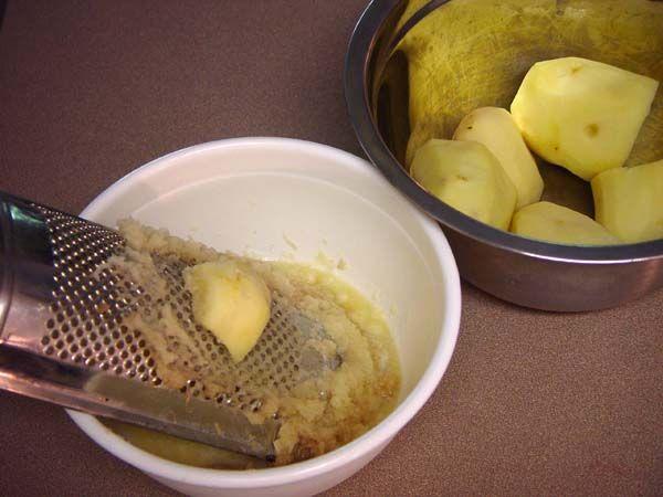Компрес от картофи като метод за домашно лечение, което работи на 100% Картофите са вкусна храна, която в действителност може да се използва като вид....