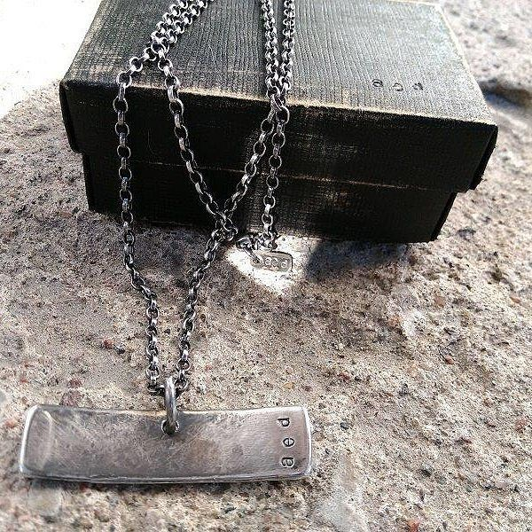 BALANCE. Se on tasapainossa - se on vahva - se on rouhee. Ihan ku kantajansa. Mikko @kuustonenmikko #balance #uniquejewelry #necklace #finnishdesign #medicineman #anuek #koruseppä #kerava