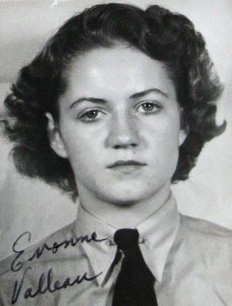 Yvonne Valleau was a member of the RCAF Women's Division and was trained as a photographer at Rockcliffe, Ontario, during World War Two. For more: www.elinorflorence.com/blog/rcaf-women-photographer