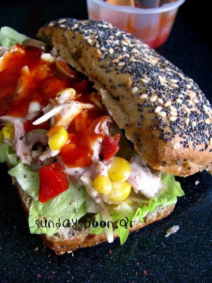 Σάντουιτς με τόνο και γλυκιά σάλτσα τσίλι • sundayspoon