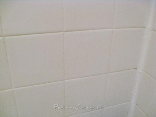 Cómo limpiar la lechada con un limpiador casero -receta  bicarbonato de sodio y lavandina hacer una pasta colocar en las juntas dejar reposar entre 5/ 10 min frotar con cepillo de dientes y dejar reposar 5/10 min mas y enjuagar
