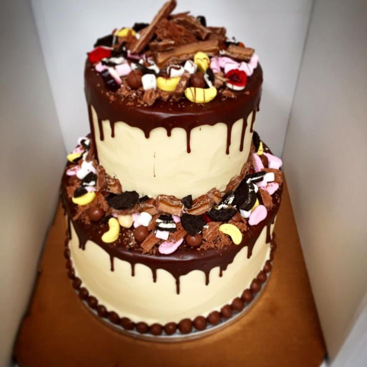 2 Tier Rainbow cake #brownies #chocolatebrownies #chocolate #peanutbutter #peanutbutterbrownie #malteaserbrownie #malteaser #delivery #caketakeaway #cakedelivery #durham #northeast #desserts #dessertdelivery #cakes #waffles #whitechocwaffles #oreos #cupcakes #rainbowcupcakes #flowercake #specialcake #mothersdaycake #icecream #shake #etonmess #nutella #nutellacheesecake #cheesecake #rainbowcake #2tiercake #birthdaycake
