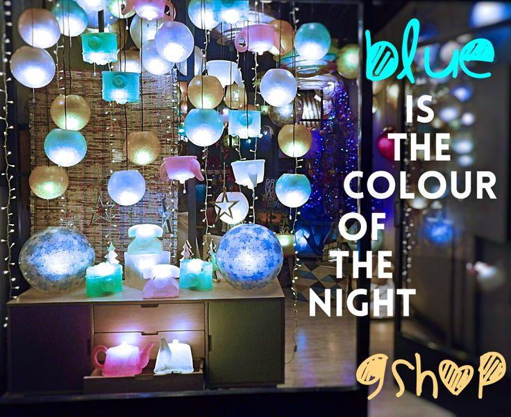 Μα το μπλε της νύχτας μας εμπνέει..  Ω ναι, βάλαμε τα γιορτινά μας! Xmas #light_style ON