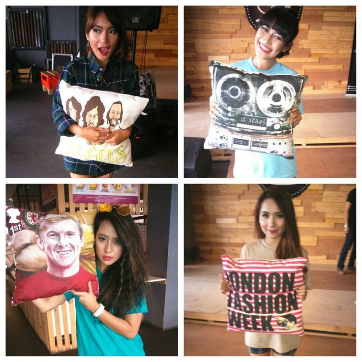 BLACK LINE PHOTO HUNTING We @moblerprojekt would like to say thanks to the models:@zuanikka @syarahph @dinnifaturahmi @chey_revolista  looking forward for another chances to collaborate with you all the promising talented models. #models #photography #cushions #local #indo #bdg #photohunting #moblerprojekt