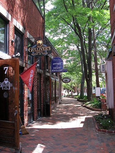 An alleyway off Market Street in Portsmouth, NH