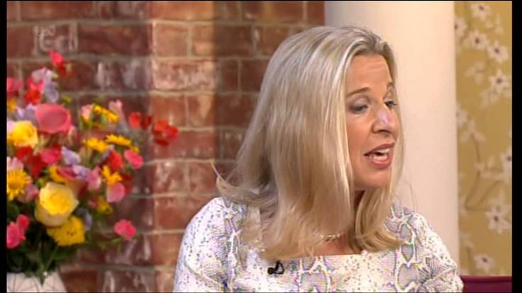 Holly Willoughby loses her cool with Katie Hopkins in ANOTHER class row on 'This Morning'...I find it really sad that there are mothers like this out there...what a bitch.