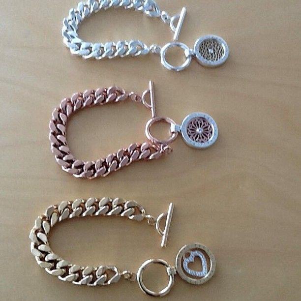 What a gorgeous collection of Nikki Lissoni bracelets! -xx-
