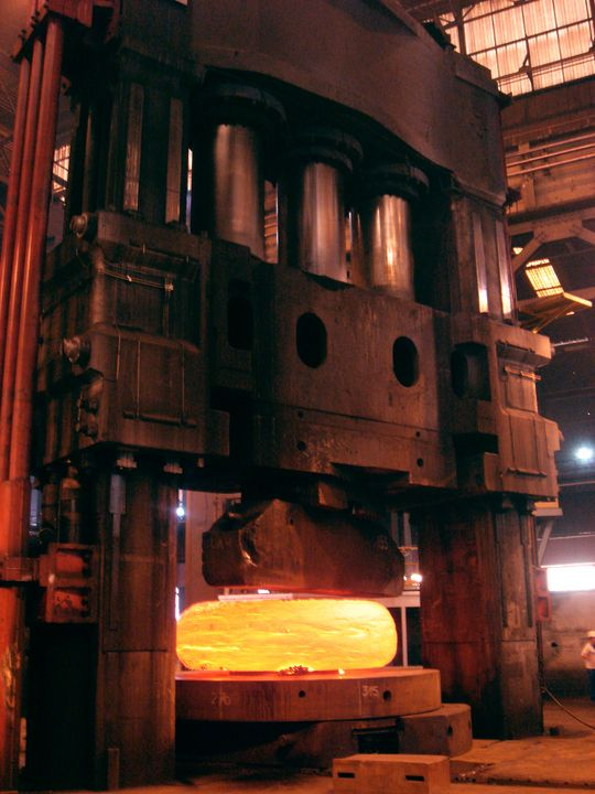 usine-areva-de-creusot-forge_fullscreen-1