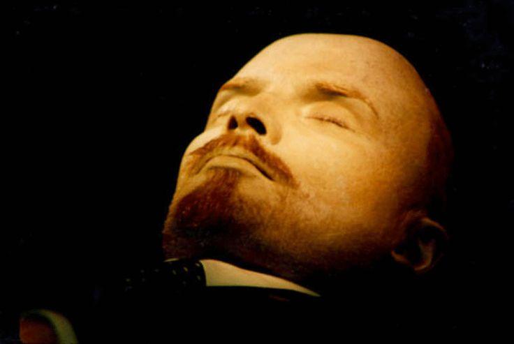 Lenin Remains | Источник:Newspaper Online Express | Vladimir Lenin's preserved body.