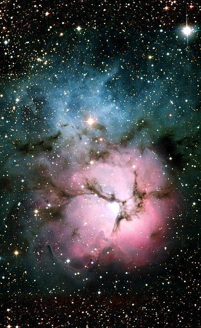 Trifid Nebula (Messier 20, NGC 6514)