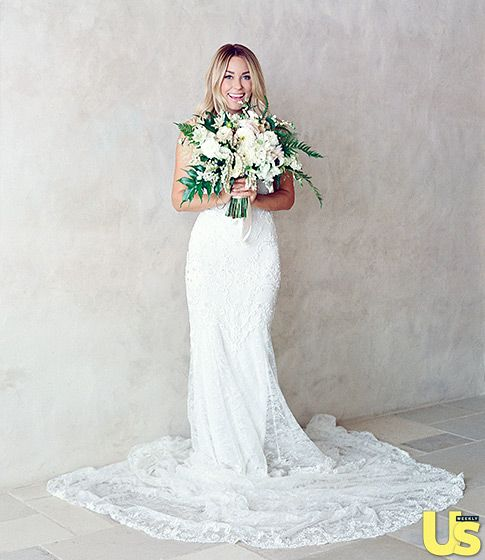 Lauren Conrad was stunning in a custom gown designed by Mark Badgley and James Mischka.