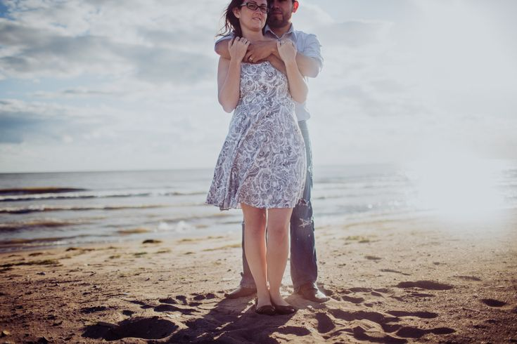 Beach couple photo session   Ontario Engagement Photography   CK Clicks Photography   www.ckclicksphotography.com
