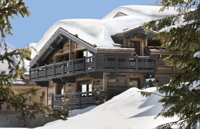 Superb Ski in/out chalet in Courchevel 1850 with indoor pool and privileged location