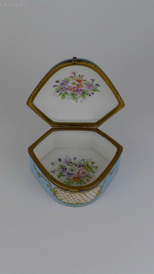 Antiques Atlas - Pretty 19th C French Sevres Jewel Box