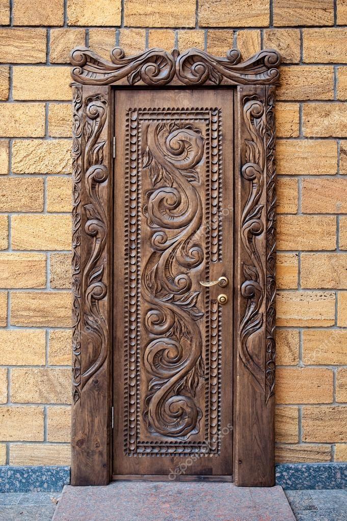 Картинки по запросу Резная дверь из натурального дерева