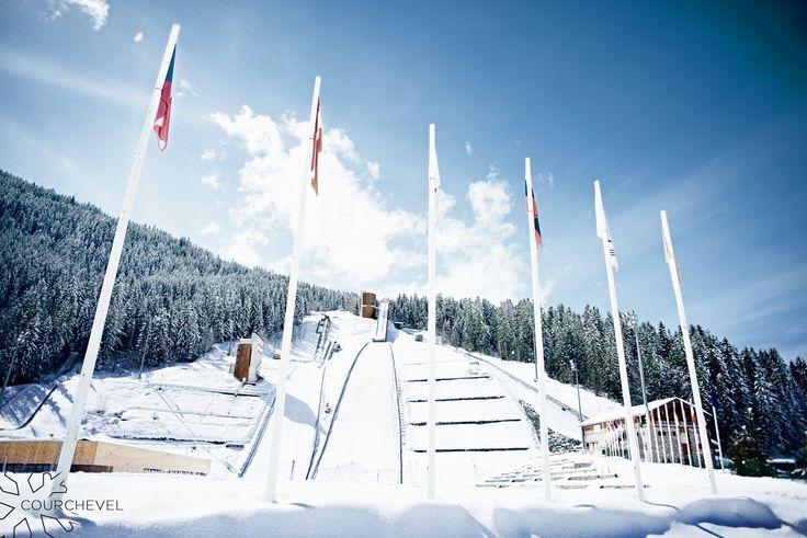 L'un des plus importants sites de saut à ski de France, site choisi pour accueillir les épreuves des Jeux Olympiques de 1992. One of the best ski jumping site in France, which was selected to host the 1992 Olympic Games. ©David André