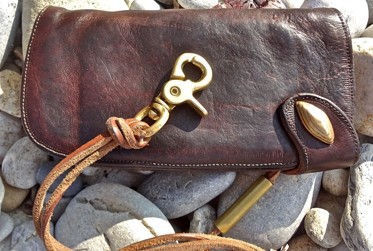www.thedileathers.com #thedileathers #leather #handmade #chainwallet #brown  #TCW051 #thediwallet www.thedileathers.com