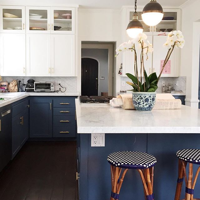 Navy Blue Kitchen With White Cabinets: 1000+ Ideas About Navy Kitchen Cabinets On Pinterest