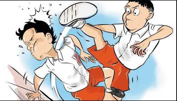 Baru 30 Gambar Kartun Karate Keren Gambar Anak Kartun Berkelahi Download 1111 Free School Backpack Vector Public Domain Vectors Di 2020 Kartun Karate Kartun Lucu