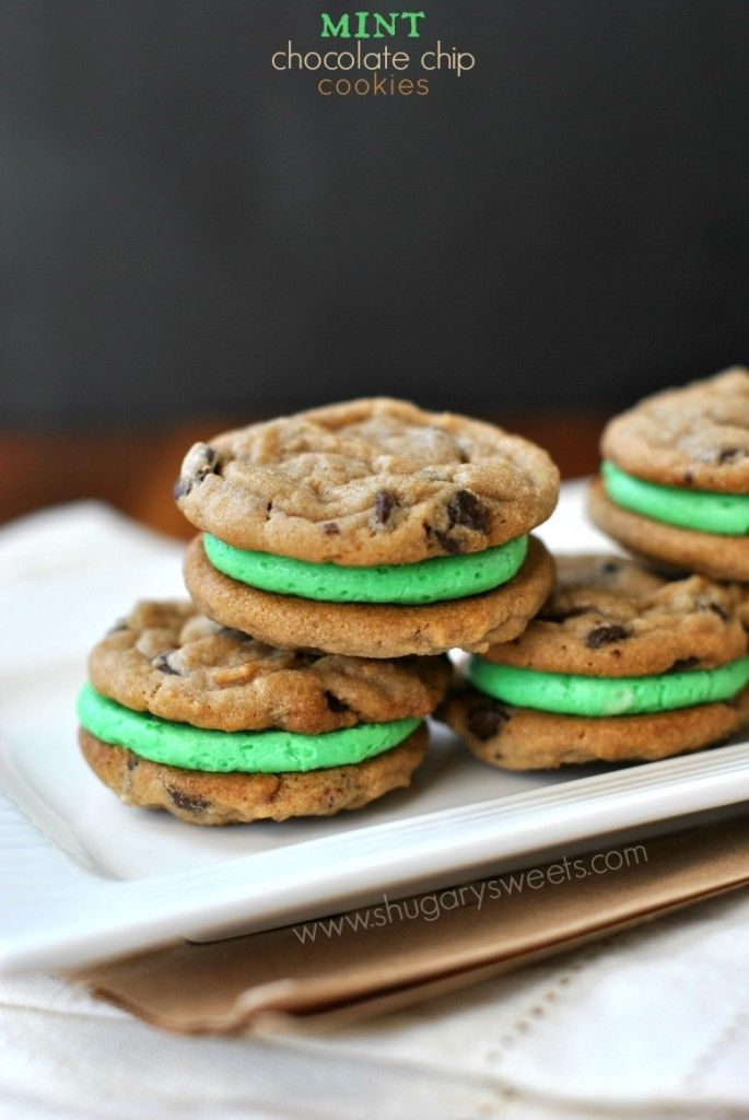 Mint Chocolate Chip Sandwich Cookies: easy cookies with mint buttercream filling!