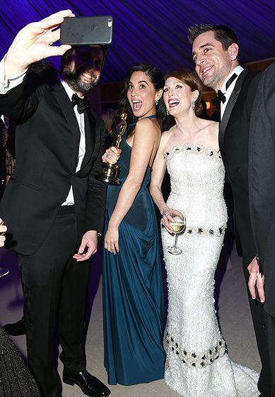 Olivia Munn and Julianne Moore #Oscars2015