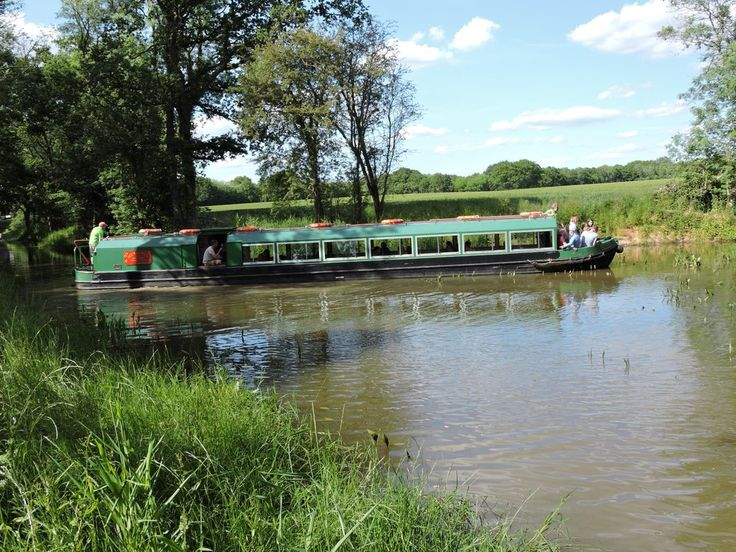 Mothering Sunday cruises 26th March on the canal in Loxwood.