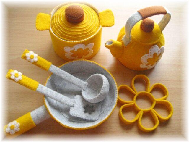 黄色いお鍋完成!の画像:handmade kitchen