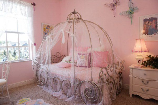 Amazing Princess Bedroom Ideas and Tutorials: Everything A Little Princess Needs In Her Bedroom...tons of links and ideas here!