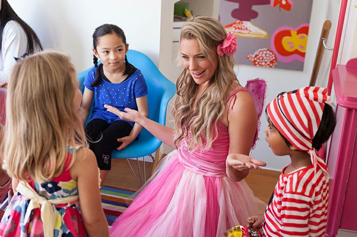 Fairy Flake's show is perfect for boys and girls of all ages! Auckland fairy for kids parties.