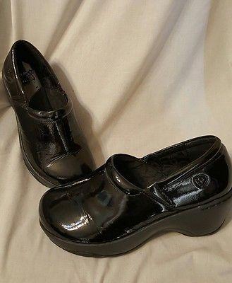 Nurse Mates shoes size 10 W Bryar black patent leather clogs slip on. SOLD