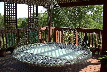 Floating Bed: Outdoor Beds, Dreams Houses, Idea, Hanging Beds, Floating Beds, Naps Time, Back Porches, Porches Swings, Swings Beds