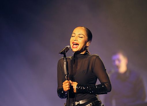 Sade Begins Soldier Of Love World Tour In France (PHOTOS) - 5 ...