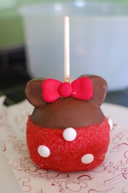Mini Mouse Cake Pops @Vanessa Samurio Anaya