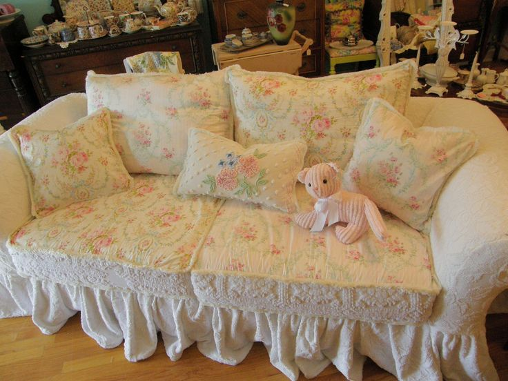 custom shabby sofa chic chenille bedspread slipcover white pink roses. Black Bedroom Furniture Sets. Home Design Ideas
