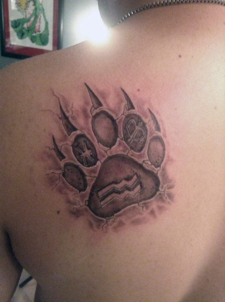Best 25 bear paw tattoos ideas on pinterest for Pictures of bear paw tattoos