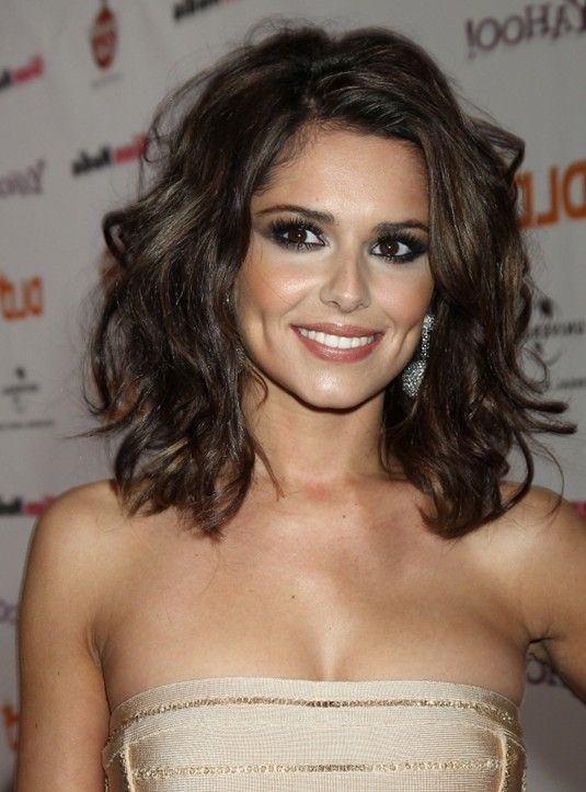 Shoulder Length Hairstyle for 2014: Sexy   Messy Wavy Hair Style