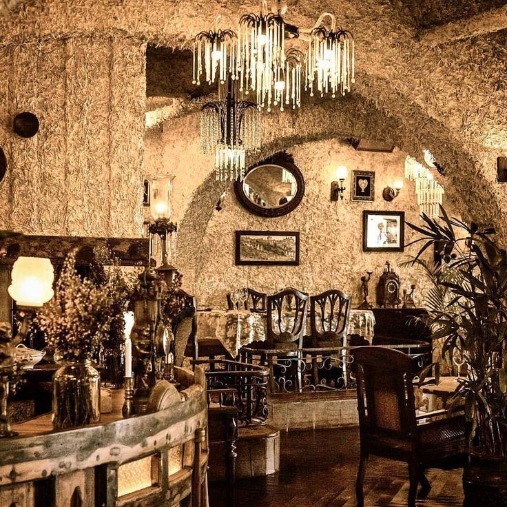 #bali #restaurant #bar #interior #unique #antique #decor #cozy #decoration #lunch #dinner #lasiciliabali