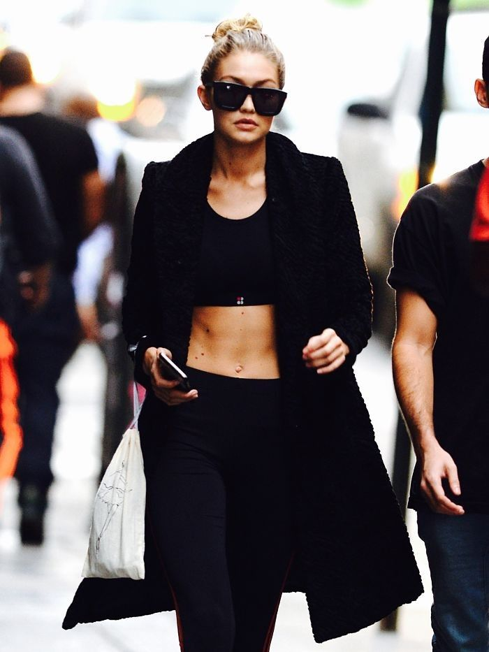 5 Celebrity Fitness Photos to Keep You Motivated Through January via @ByrdieBeauty