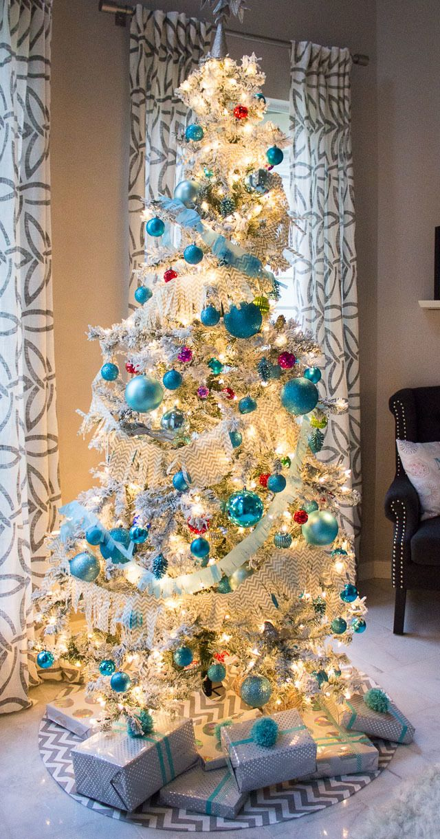 Create some modern decorations for your Christmas