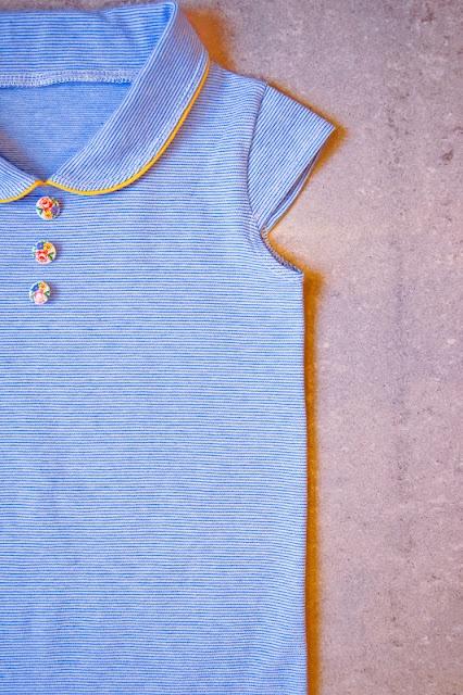 Mama Pluis: Handleiding t-shirt met rond kraagje