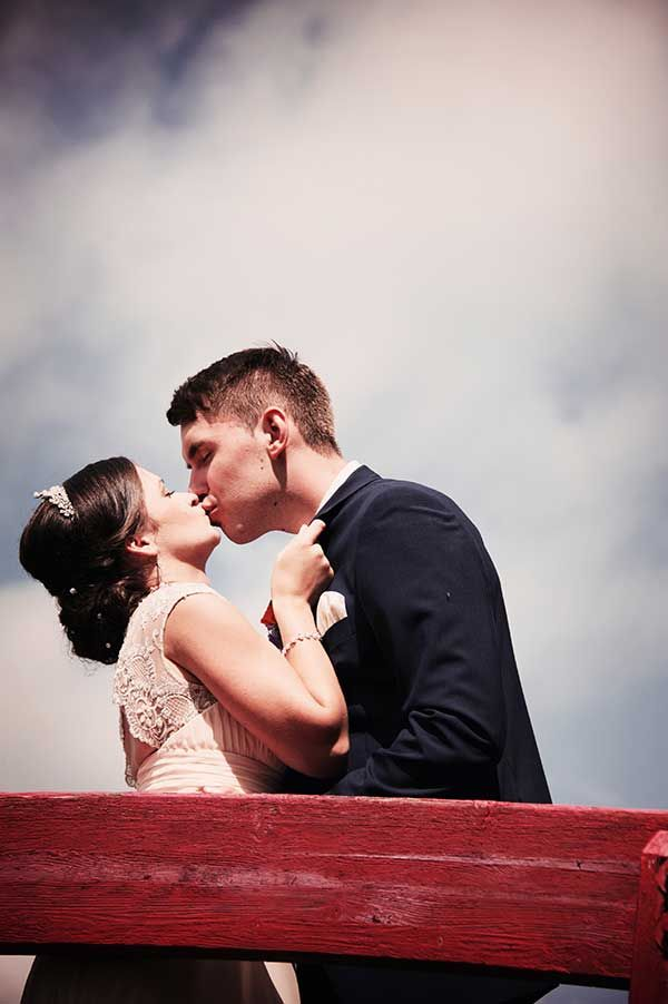Small wedding in Kings Park, Winnipeg