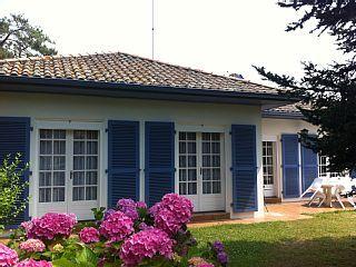 Anglet, Villa de vacances avec 2 chambres pour 5 personnes. Réservez la location 576781 avec Abritel. Anglet côte basque,voisine de Biarritz villa tout confort de plainpied